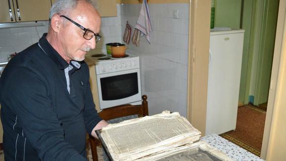Biblija se generacijama čuva u kući