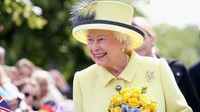 """Bez czego królowa Elżbieta II nie rusza się z """"domu""""? Nie uwierzycie, co zabiera w każdą podróż"""