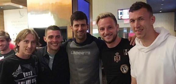 Novak Đoković sa fudbalerima Hrvatske