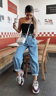 Style Guide: How to wear your boyfriend's jeans | Pulse Nigeria