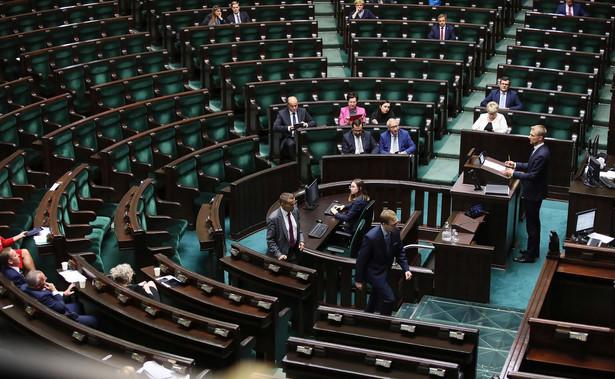 """W środę marszałek Sejmu zadeklarowała, że podczas kontynuacji posiedzenia Sejmu - 15 i 16 października """"nie będzie żadnych zmian"""" jeśli chodzi o harmonogram obrad."""
