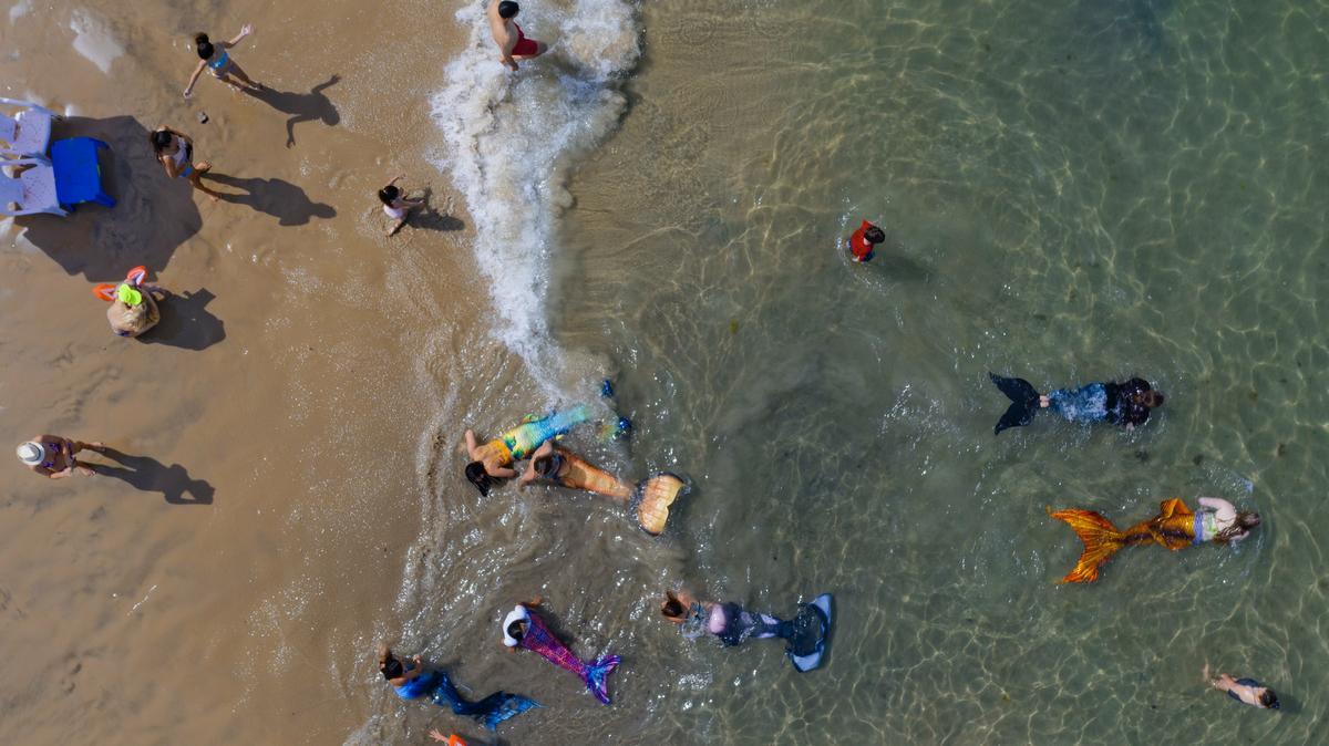 Izraelben szerdától újra megnyílnak a vendéglők és az uszodák