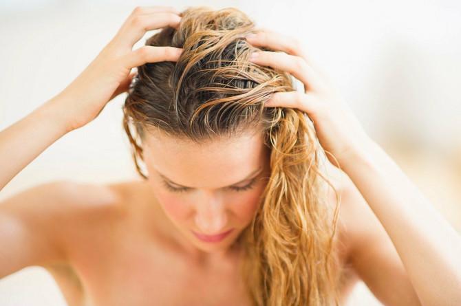 Rešila je da baci šampon i kosu sada pere isključivo ovom mešavinom