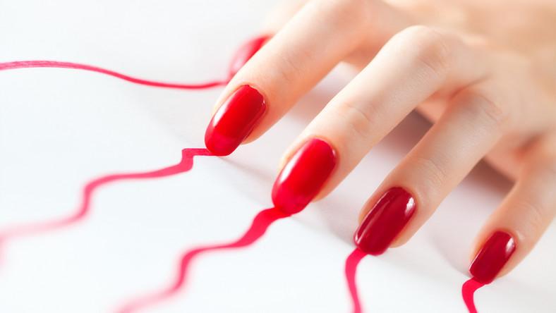 Jesienny manicure uwodzi kolorami