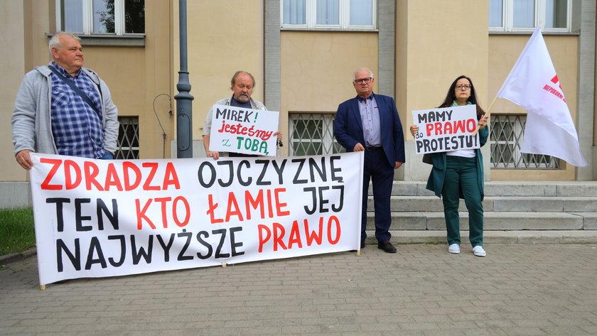 Pikieta przed sądem w Łodzi