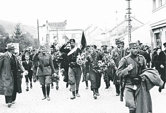 Pećančevi četnici ulaze u Užice koje su posle tri dana predali partizanima