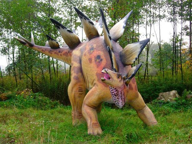 Model stegozaura naturalnej wielkości, w Parku Jurajskim w Bałtowie. źródło Wikipedia, licencja GFDL ver. 1.2 or CC-by-sa ver. 2.5, 2.0, and 1.0
