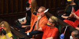 Osobliwe sceny w Sejmie. Nietypowy protest posłów