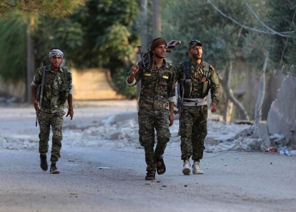 Kurdski borci u Siriji