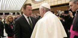 Schwarzenegger spotkał się z papieżem Franciszkiem. Mówili do kobietach