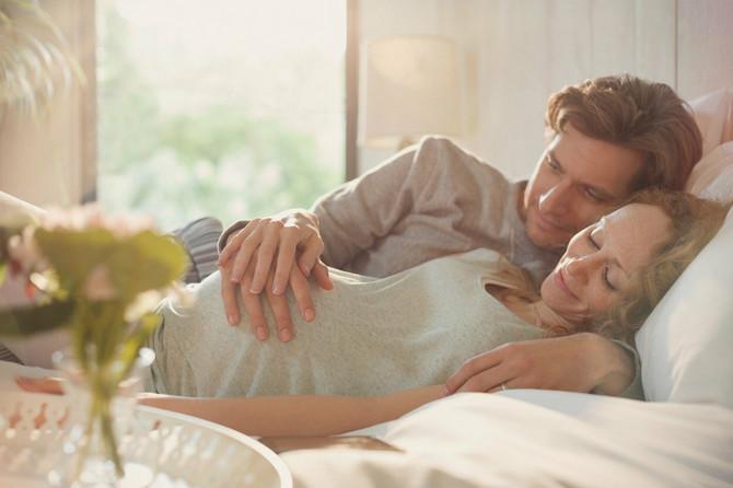 Tokom drugog trimestra, pod uticajem bolje cirkulacije i pojačanog priliva krvi u genitalije, želja za seksom raste