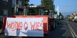 Rolnicy kolejny dzień blokują drogi. Gdzie utrudnienia?