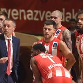 ZVEZDA ZADRŽALA PERFEKTAN SKOR NA JADRANU Crveno-beli trojkama izrešetali Zadrane i ostvarili 10. trijumf u ABA ligi
