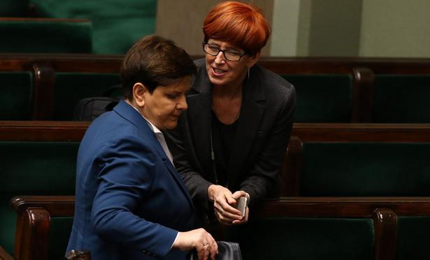 Bardzo silna jest pozycja minister rodziny, pracy i polityki społecznej Elżbiety Rafalskiej, co wynika z realizacji programowych priorytetów
