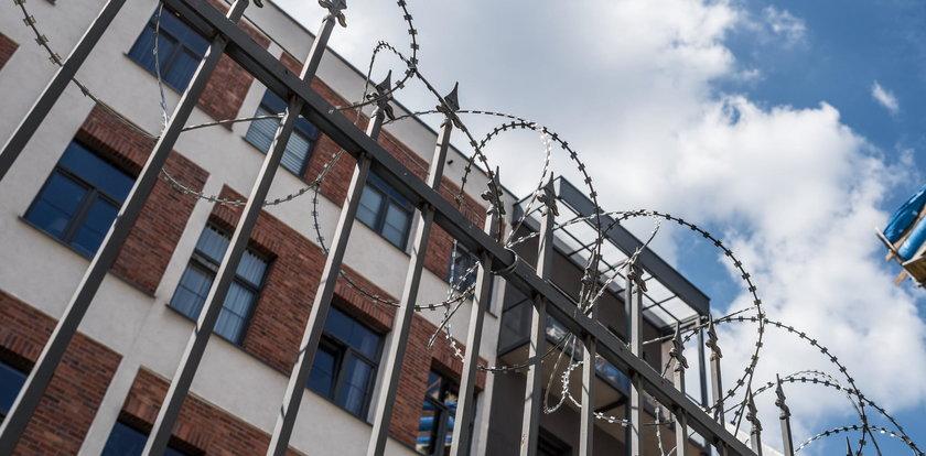 Osiedle jak więzienie. Zrobili to z własnej woli