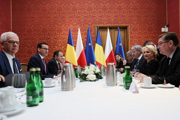 Uczestnicy szczyty oświadczyli też, że integracja europejska Bałkanów Zachodnich powinna być postrzegana, jako proces umacniania Europy i musi pozostać strategicznym celem politycznym UE.
