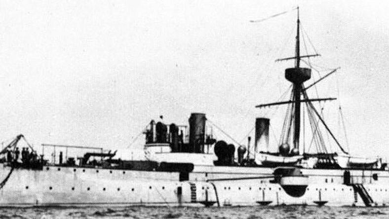 Pod względem wielkości, krążowniki Laiyuan i Jingyuan zajmowały drugie miejsce po pancernikach typu Dingyuan. Jednostki o długości 82,4 m i wyporności 2900 ton zabierały na pokład załogę liczącą 270 marynarzy. Prędkość maksymalna krążowników wynosiła 16 węzłów