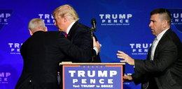 Trump ewakuowany z podium podczas wiecu wyborczego
