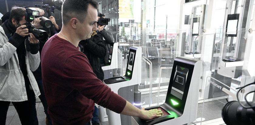Najnowsza technologia na wrocławskim lotnisku. Automaty zastąpiły strażników