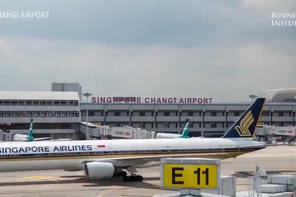 80 RESTORANA, 150 RADNJI, BAZEN I DŽAKUZI NA KROVU, VODOPAD OD 40 METARA... Ovaj aerodrom je SVETSKO ČUDO, a razlozi su OČIGLEDNI (VIDEO)
