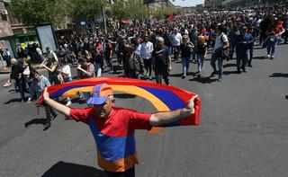 Lider armeńskiej opozycji ostrzega przed wyprowadzeniem wojska na ulicę