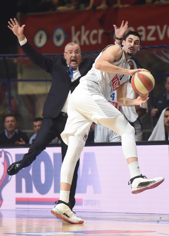 Jasmin Repeša je bio vidno isfrustriran zbog slabe partije Goge Bitadzea