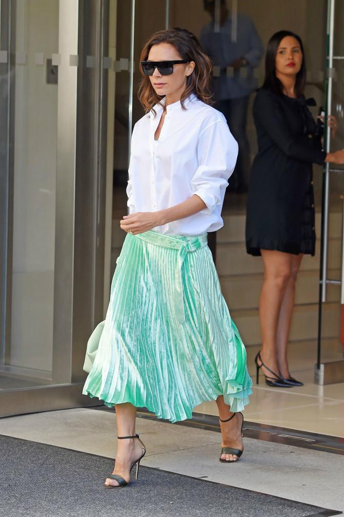 Pliš i plise najveći su trendovi ove sezone: Viktorija Bekam ih nosi maestralno!