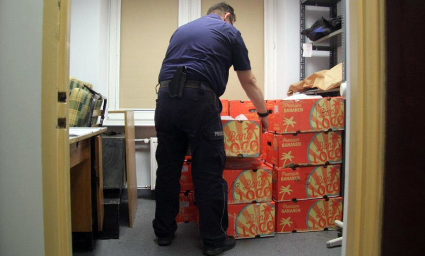 Kokaina w bananach w magazynie sieci handlowej pod Łodzią