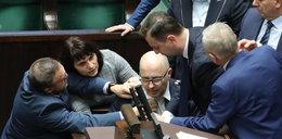 Groźnie w Sejmie! Poseł Kropiwnicki osunął się na ziemię