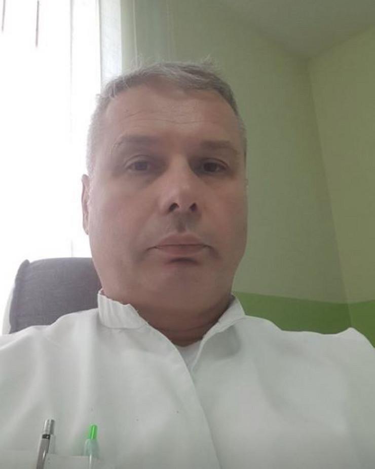Doktor Aleksandar Radosavljević