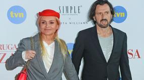 Monika Olejnik w czerwonej woalce na planie serialu. Zostanie aktorką?