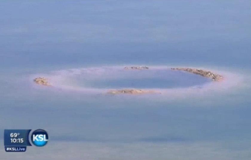 Tajemniczy 7-metrowy krater na dnie stawu