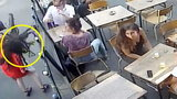 22-latka spoliczkowana na środku ulicy. Nagranie zszokowało internautów