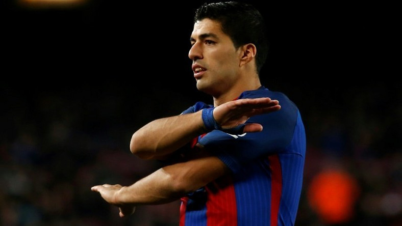 Barcelona's Luis Suarez reacts to a decision of the referee during their Spanish Copa del Rey (King's Cup) semi-final 2nd leg match against Atletico Madrid, at the Camp Nou stadium in Barcelona, on February 7, 2017