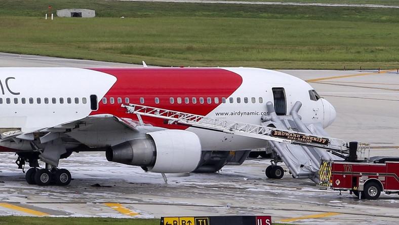 Samolot po ugaszeniu pożaru