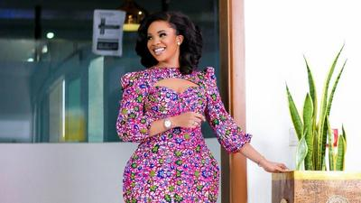 Friday slay: Serwaa Amihere blew us away with these 3 breathtaking African print looks