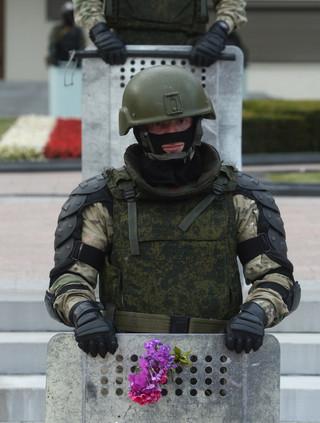 Białoruś: Siostra zakonna: mówię do OMON-owca - zwolnij się, jesteś młody