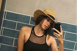 """Sara se slikala u kupaćem i OPASNO SPUSTILA DONJI DEO: """"Ma, super si, ali MALO MANJE GLUTENA"""""""