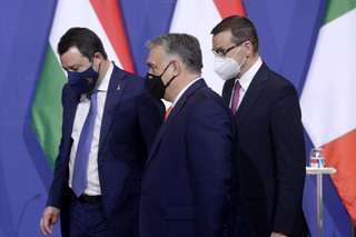 PO: Porozumiewanie się z Orbanem i Salvinim sprzeczne z polską racją stanu
