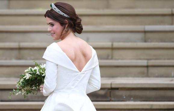 Princeza je zahtevala venčanicu otvorenu na leđima kako bi se video njen ožiljak od operacije