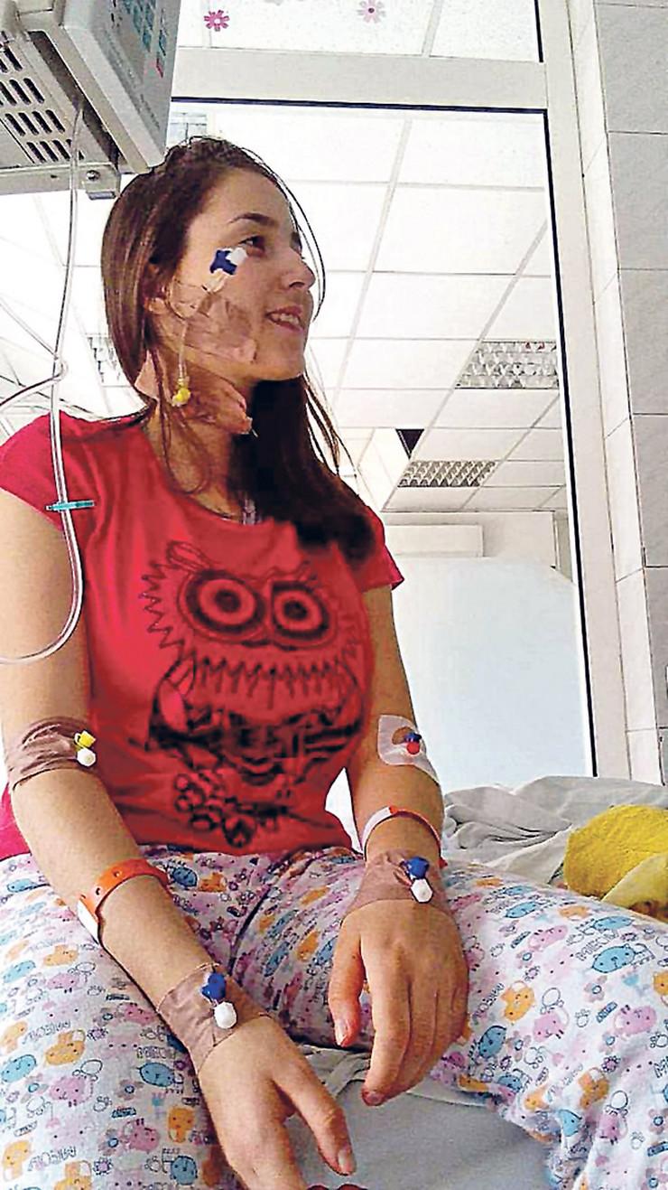 Rodila se carskim rezom u junu 2003, u 22. nedelji trudnoće, ali su lekari uspeli reanimacijom da je ožive. Nisu verovali da će preživeti