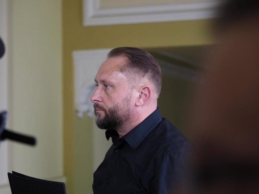 Kamil Durczok w Sądzie Okręgowym w Piotrkowie Trybunalskim