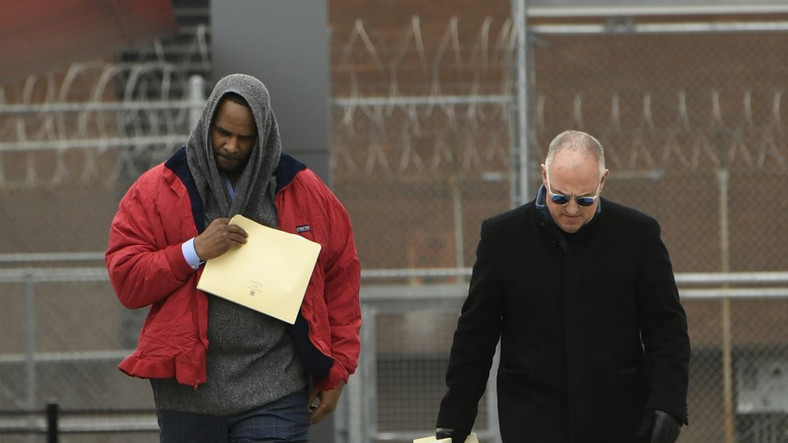 While leaving jail on Saturday, March 9, 2019, R Kelly gave an assurance that his issues with the law shall come to an end soon enough. [CNN]