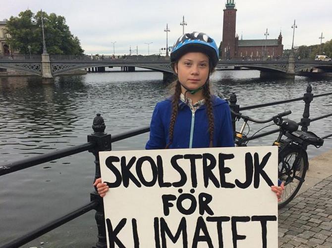 Ceo svet piše o OVOJ DEVOJČICI: Petnaestogodišnja Šveđanka pod hitno želi promene!