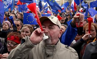 'Marsz dla Europy' na ulicach Warszawy. 'Unia Europejska jest tym, co nas wszystkich łączy'