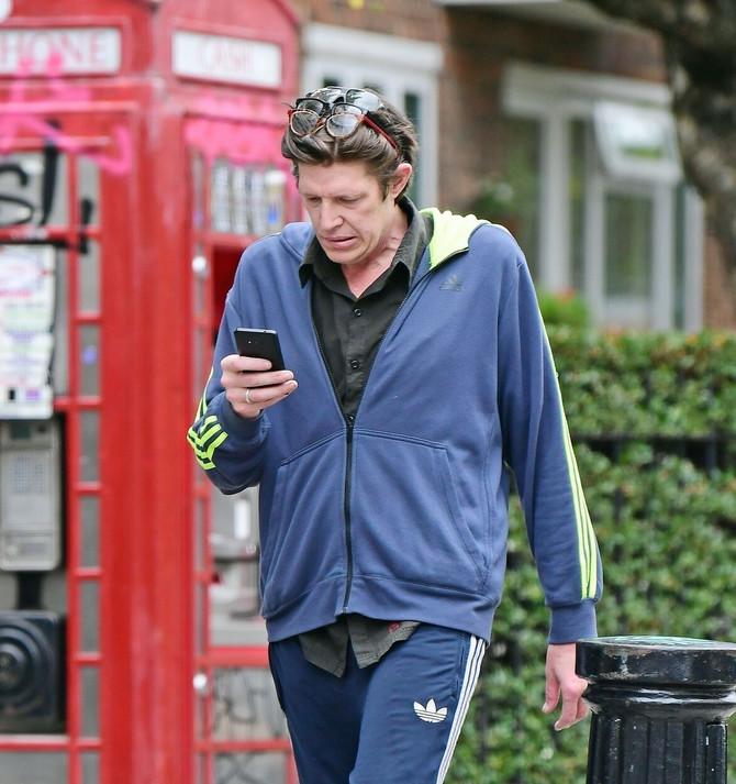 Kristofer Brosnan nedavno na ulicama Londona
