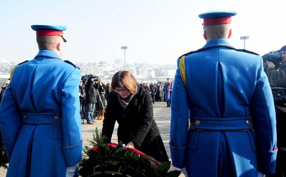 Vence je položila i Maja Gojković, predsednica Skupštine Srbije