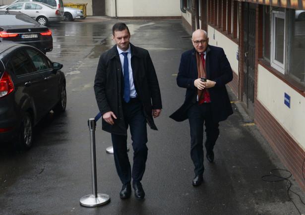 Minister spraw wewnętrznych i administracji Joachim Brudziński w drodze na posiedzenie Rady Politycznej PiS.