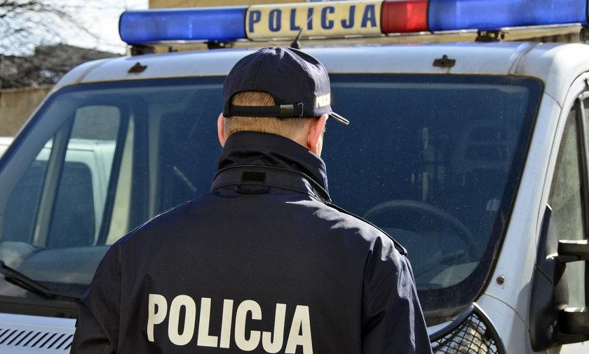Policjant w mundurze