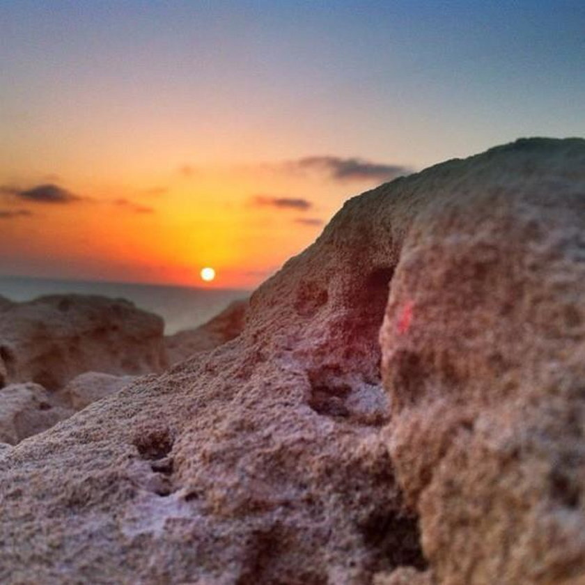 – Kiedy jestem zły, uspokajam się, patrząc na zachód słońca - przyznaje.